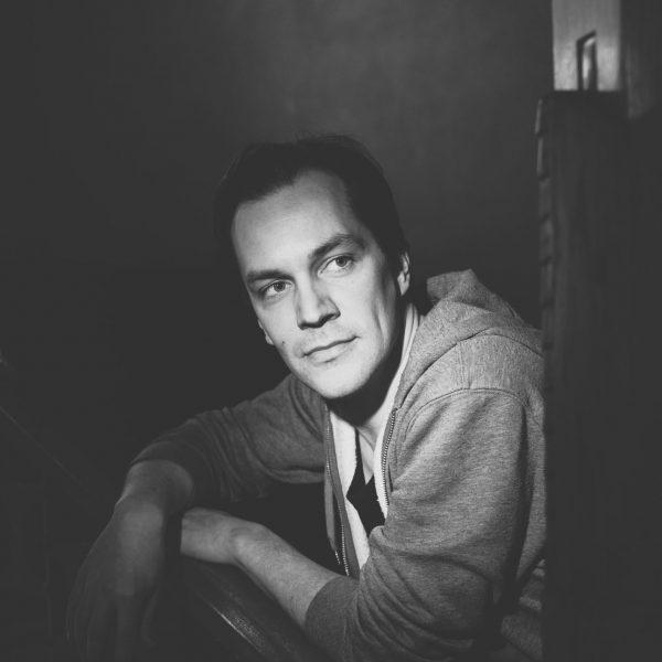 Näyttelijä Olli Haataja